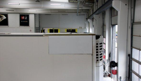 Riparazione angolo posteriore tetto furgone sostituzione pannello