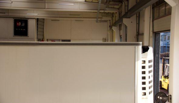 Riparazione angolo posteriore tetto furgone verniciatura e finitura