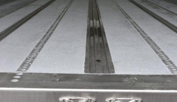 Riparazione fondo antiscivolo pavimentazione furgone